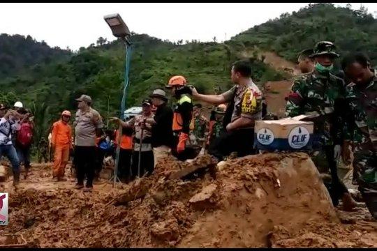 Polda Jabar kerahkan 200 personel di lokasi Longsor Sukabumi