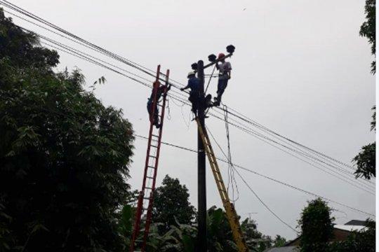 Warga Utara Kota Makassar Keluhkan Pemadam Malam Takbiran