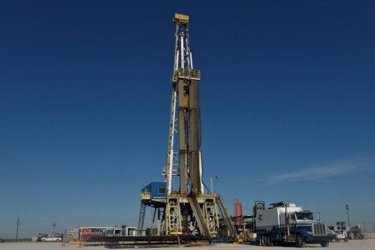 Harga minyak jatuh di tengah kekhawatiran surutnya permintaan global