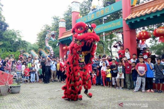 Barongsai meriahkan Imlek di Klenteng Kong Miao
