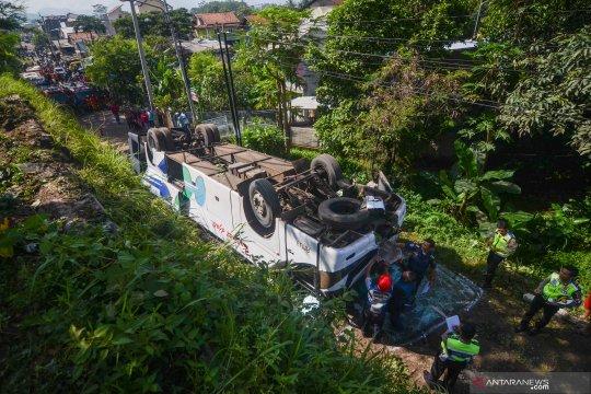 Polisi amankan sopir Bus Kramat Jati terguling di Cicalengka