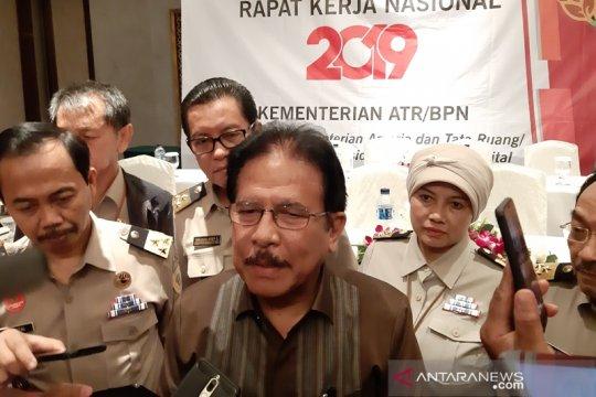 Menteri ATR serahkan 41 sertifikat tanah wakaf di Aceh