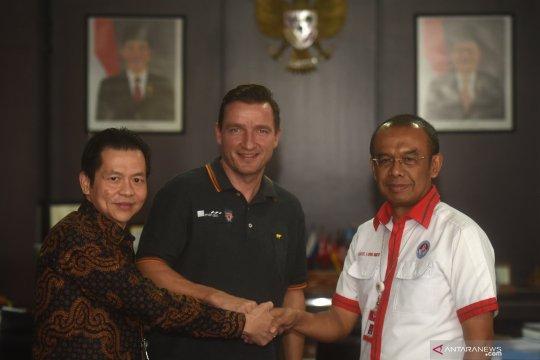 Kunjungan Vladimir Smicer ke Jakarta