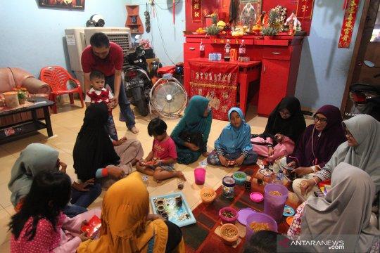 Kebersamaan dalam perayaan Imlek di Dumai