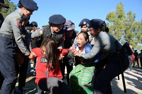 Myanmar batalkan dakwaan terhadap pengunjuk rasa dari  suku minoritas