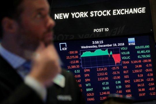 Wall Street ditutup turun, investor khawatir perdagangan global