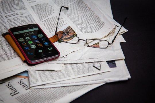 Iklan media massa menurun, Komisi Konsumen Australia serukan regulasi konten digital