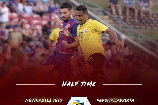 Persija-Newcastle Jets imbang 0-0 babak pertama