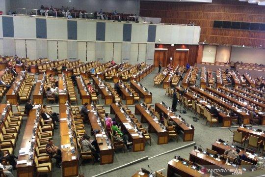 Paripurna DPR hanya dihadiri 281 anggota