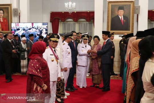 Jokowi perintahkan Khofifah-Emil tancap gas di Jawa Timur