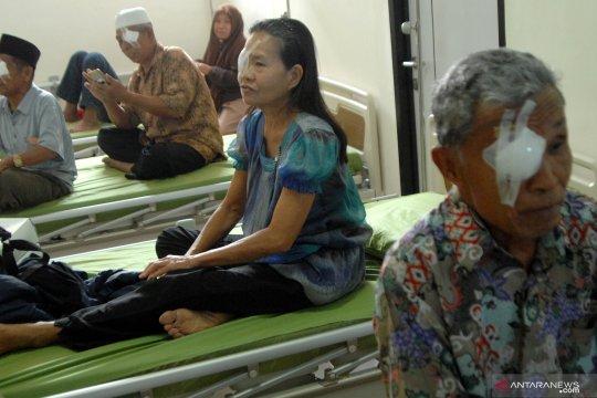 Tim Dokter Belanda Operasi Katarak di Ambon