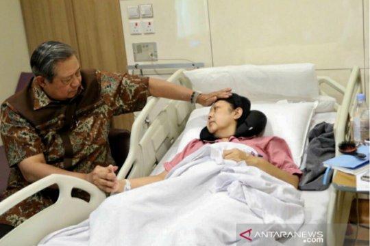 Ani Yudhoyono belum bisa ditemui langsung