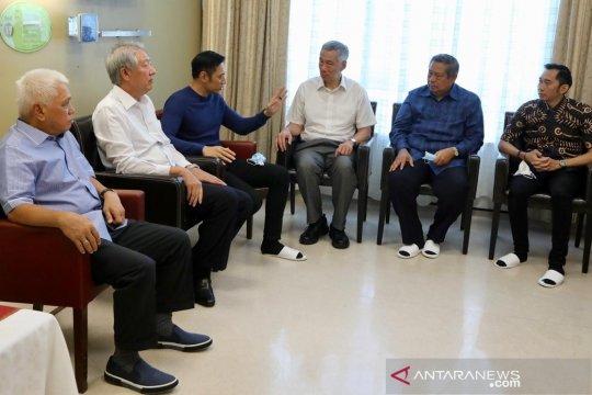 PM Singapura beserta wakil jenguk Ani Yudhoyono
