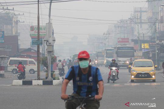 Kabut asap selimuti kota Dumai