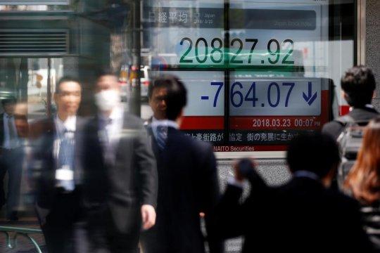 Bursa saham Tokyo ditutup melemah, investor tahan diri