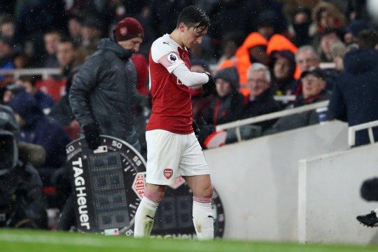 Ditawarkan ke klub lain, Ozil menolak untuk pindah dari Arsenal