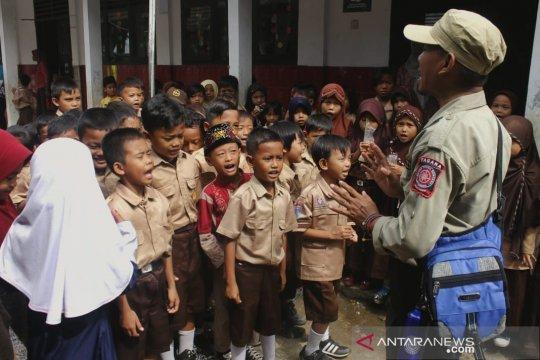 Tagana berikan edukasi hadapi bencana bagi siswa Pandeglang