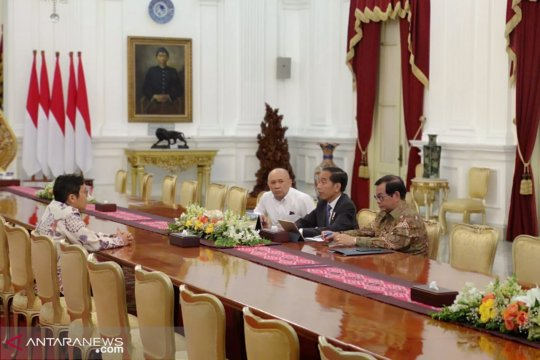 Presiden Jokowi terima CEO Bukalapak di istana