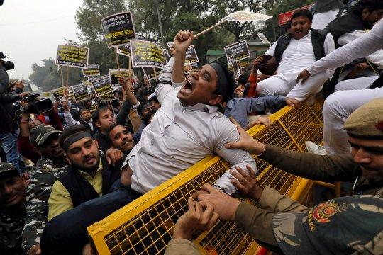 India tahan 23 orang yang disangka punya hubungan dengan serangan Kashmir