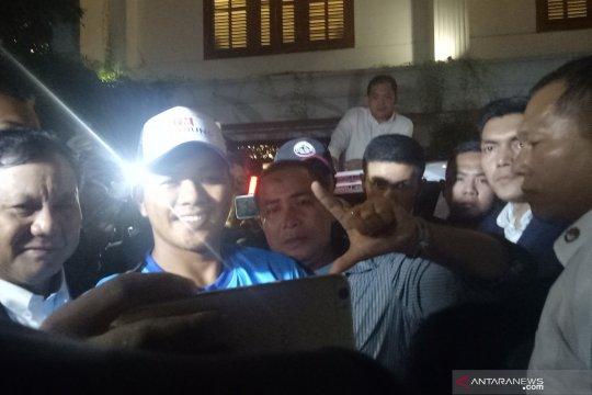 Prabowo disambut pendukungnya di kediaman usai debat