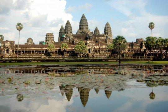 Dukung Garuda Muda sambil menikmati ragam pesona Kamboja