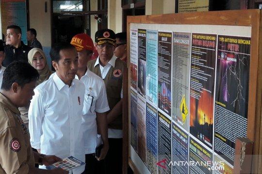 Presiden tinjau program Tagana masuk sekolah di Panimbang, Banten