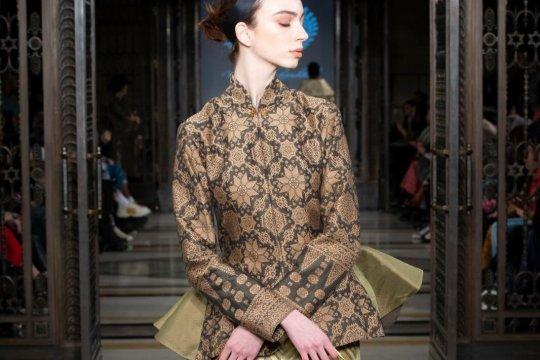 Kemegahan Kerajaan Sriwijaya di ajang  London Fashion Week