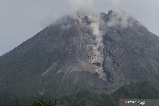 Gunung Merapi meluncurkan dua guguran lava