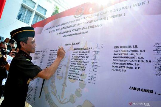 Pencanangan zona integritas wilayah bebas korupsi