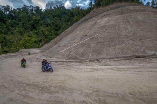 Jalur Trans Palu-Kulawi sudah bisa dilewati kendaraan