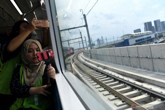 Hari kedua pendaftaran, setengah kuota uji coba publik MRT terisi