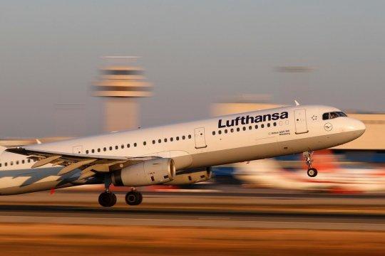 Bursa saham Jerman melambung, saham Lufthansa melonjak 4,16 persen