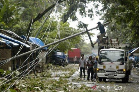 10 kecamatan di Jember terdampak angin kencang