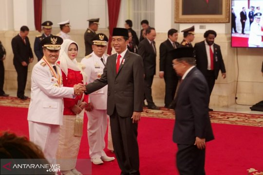 Presiden lantik Gubernur-Wagub Riau 2019-2024 di Istana Negara