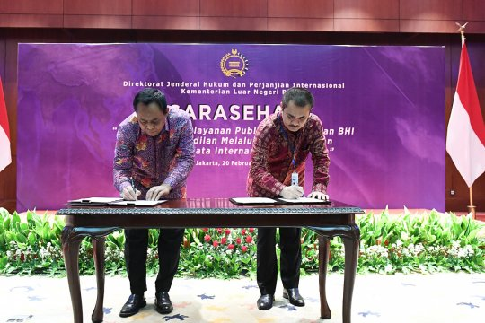 Kemenlu-MA tandatangani tiga perjanjian kerja sama hukum perdata