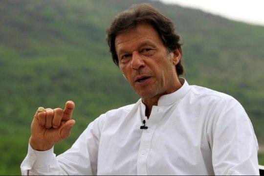 Puluhan ribu orang berunjuk rasa tuntut pengunduran diri PM Pakistan