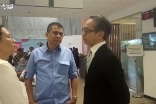 Marty Natalegawa jenguk Ani Yudhoyono