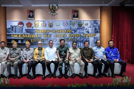 """Try Sutrisno hadiri Simposium """"Kembali Ke Jati Diri TNI"""""""