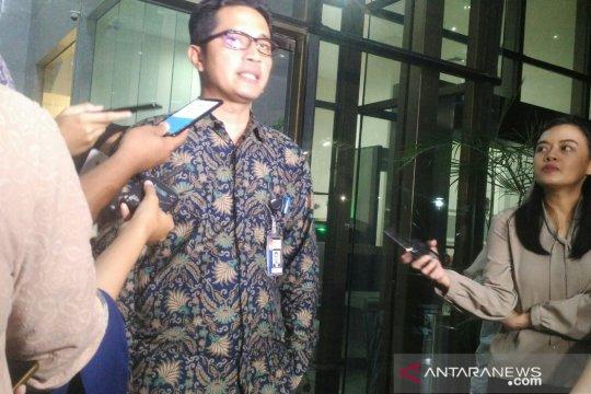 KPK dalami aliran dana pada sejumlah pimpinan-anggota DPRD Lampung Tengah