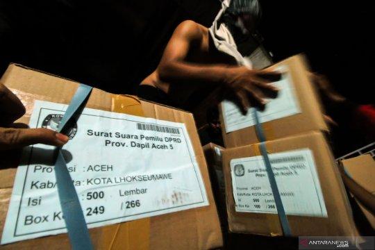 KPU Tulungagung temukan ratusan surat suara rusak
