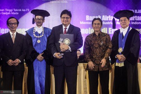"3 Menteri Kabinet Kerja mendapat penghargaan ""Herman Johannes Award"""