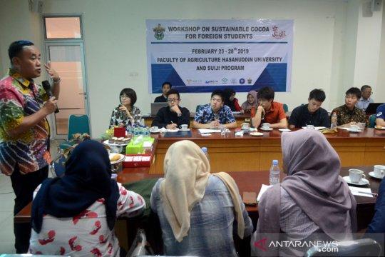 12 mahasiswa Jepang belajar kakao di Universitas Hasanuddin