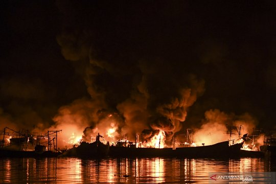 Kapolda: tujuh saksi diperiksa terkait kebakaran kapal di Muara Baru
