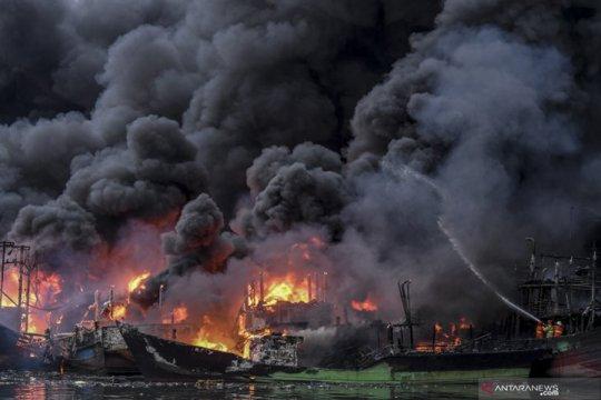 Polisi: Tidak ada korban jiwa dalam kebakaran kapal di Muara Baru