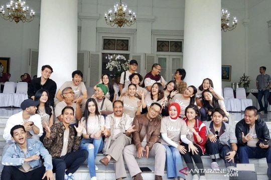 Gelar gala premier, Bandung buat Hari Dilan