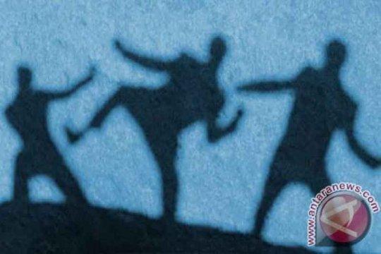 Dua oknum anggota Brimob tersangka penganiaya warga Olilit Maluku