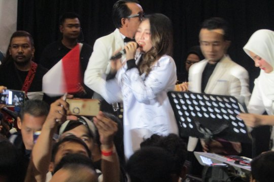"""Via Vallen bawakan """"Meraih Kemenangan"""" di pidato kebangsaan Jokowi"""