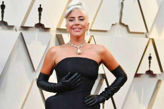 Lady Gaga akan berjualan kosmetik di Amazon