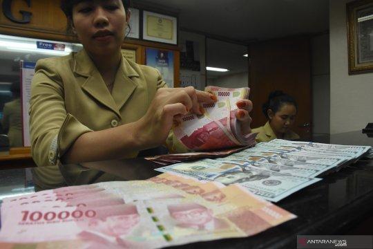 Rupiah balik menguat seiring penundaan tarif AS terhadap China