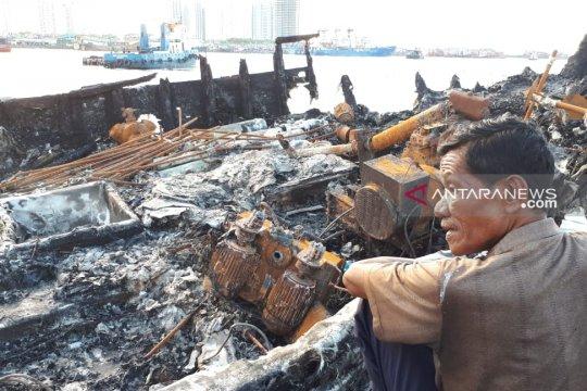 Kepolisian periksa 21 orang  sebagai saksi kebakaran kapal Muara Baru